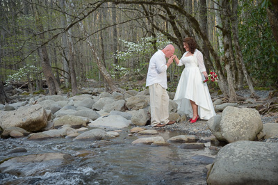 Gatlinburg waterfall weddings